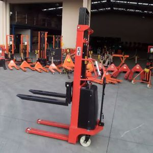 Picture of Semi Electric Narrow Pallet Stacker 1.5 Ton 3.5m